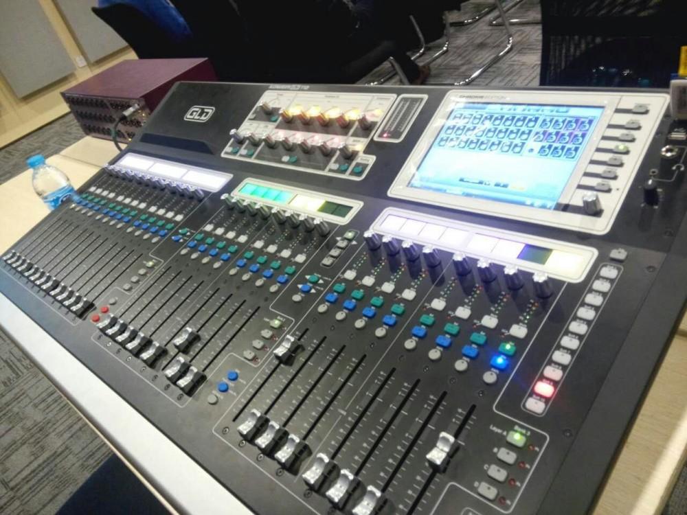 环球音响网工程师参加艾伦赫赛gld系列数字调音台